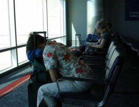 airport_wait_2-sleeping2